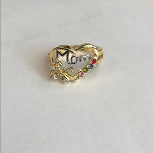 Jewelry - Mom gold ring size 9